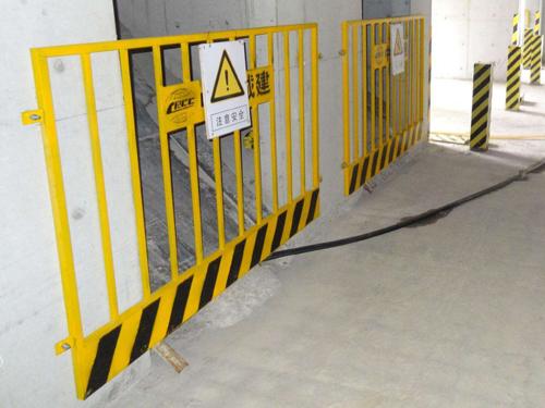 电梯井口防护门3.jpg